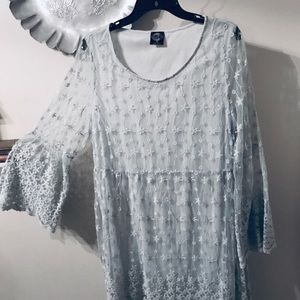 Lacy, lined tunic blouse